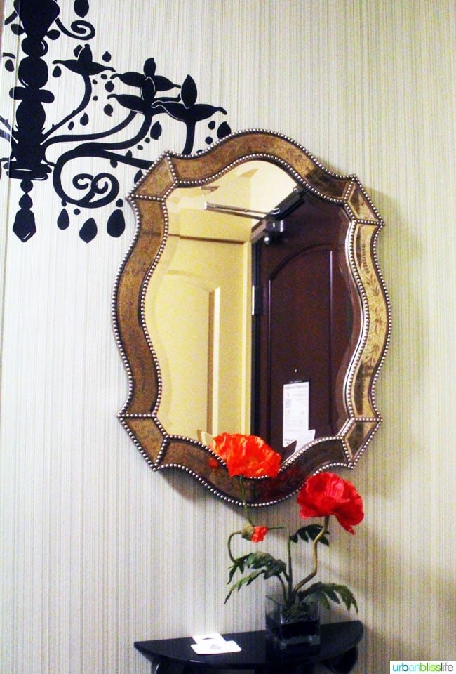 mirror in maxwell hotel seattle guest room