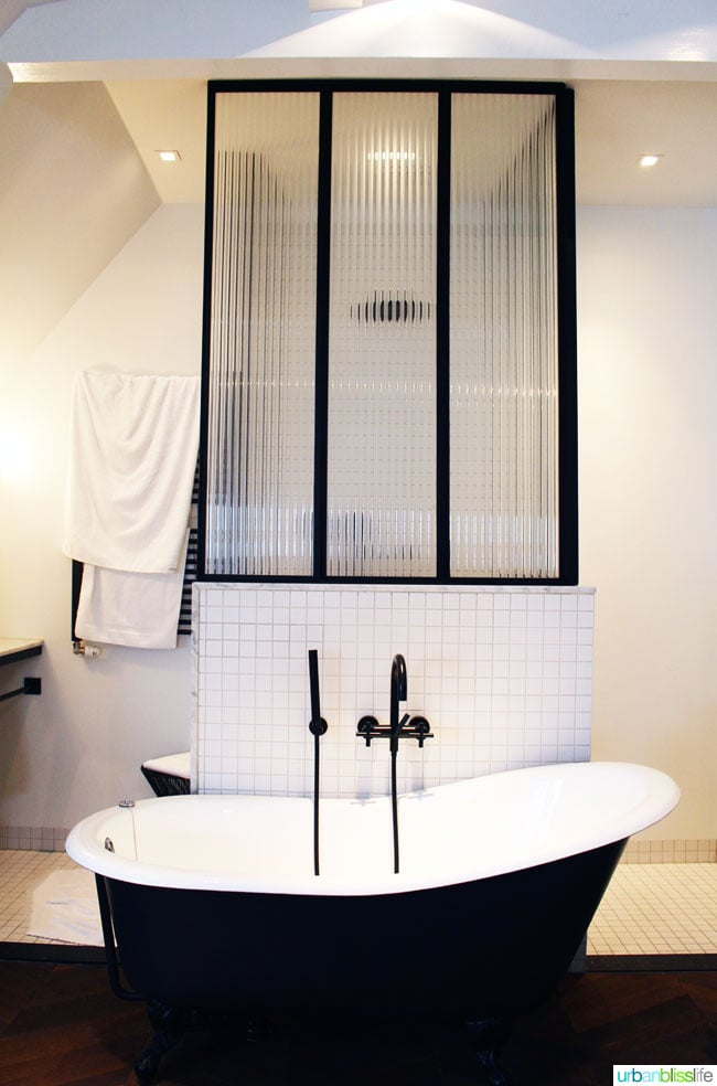 Where to Stay in Amsterdam. Morgan and Mees guest room bathroom