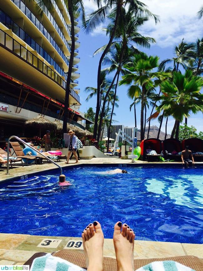 Where to stay in Honolulu: Outrigger Waikiki Beach Resort pool