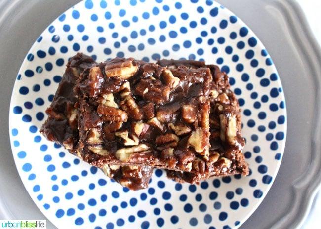 salted chocolate caramel bars recipe on UrbanBlissLife.com