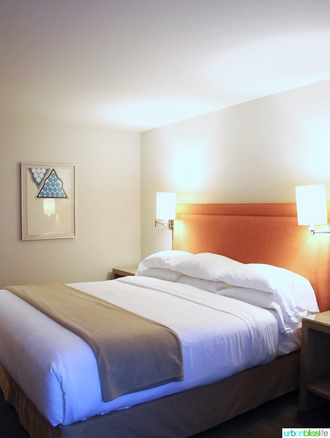 Places to stay in Ashland, Oregon - Ashland Hills Hotel and SuitesAshland Hills Hotel and Suites Guestroom Bed
