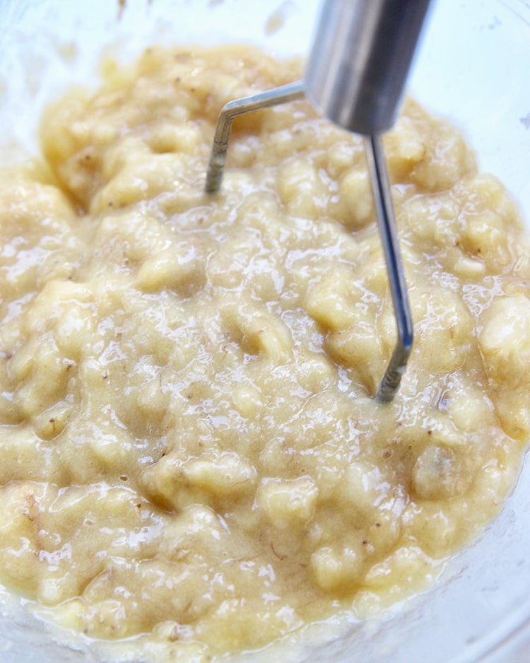 banana mixture for crumb coffee cake