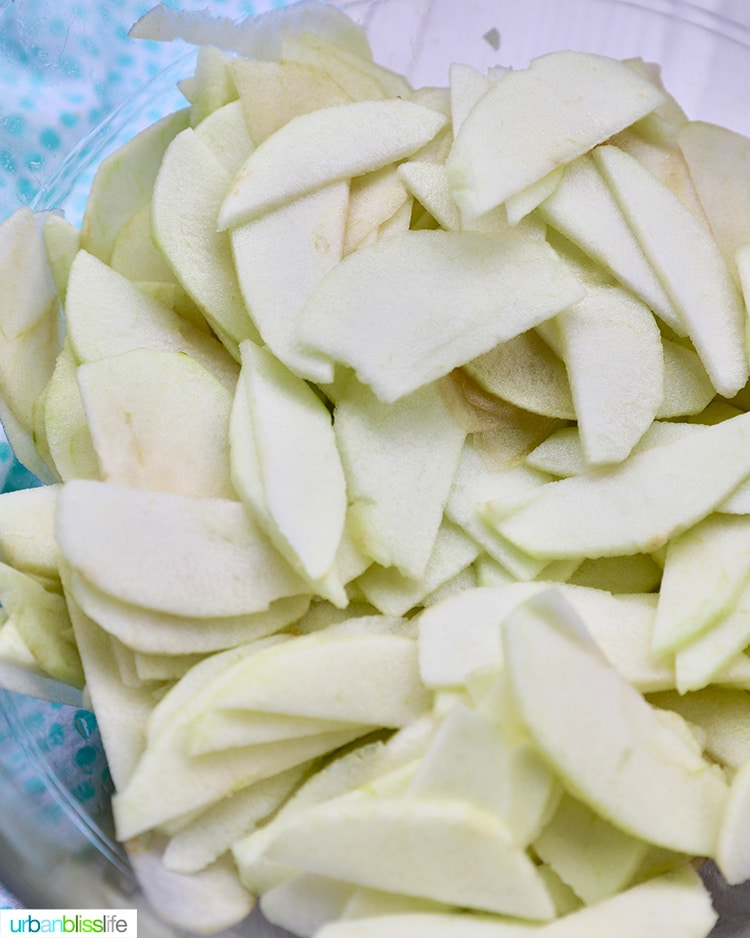 thinly sliced apples