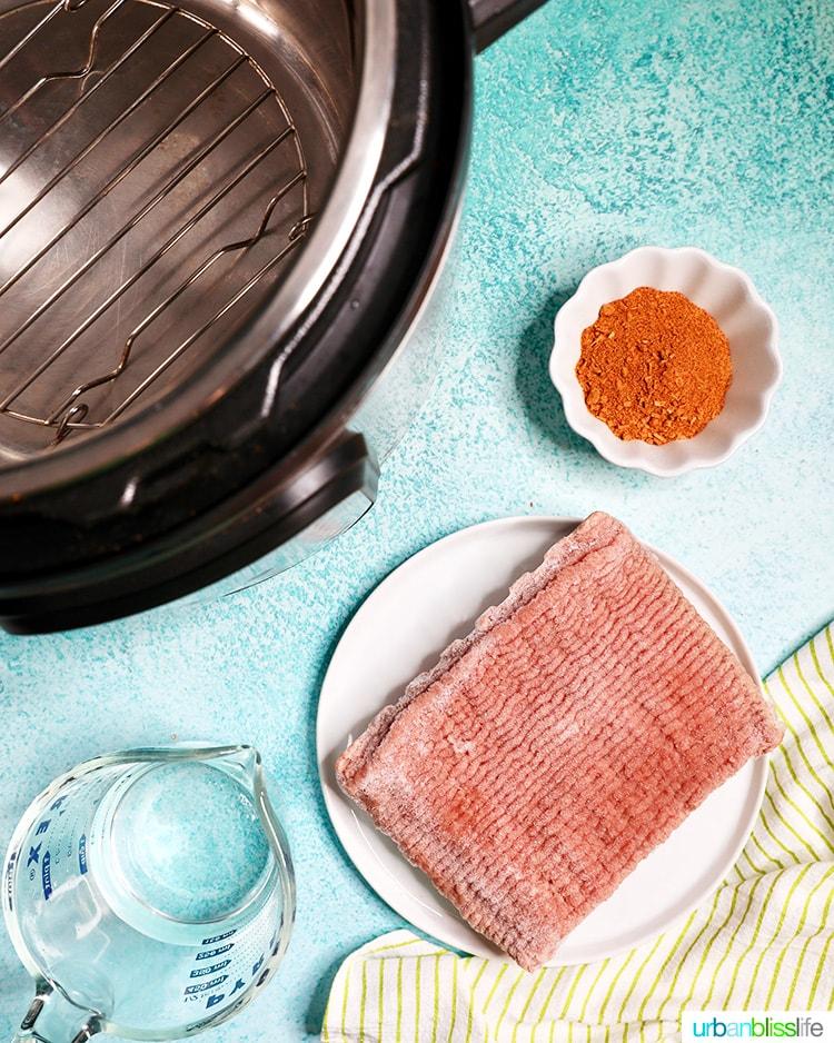 frozen ground turkey, spices, water, instant pot
