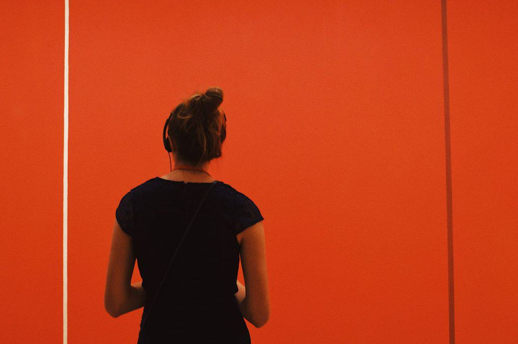 woman at museum of modern art in nyc