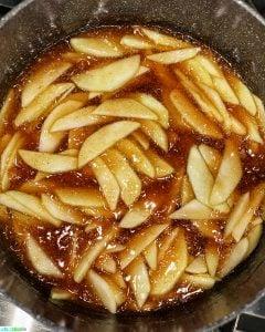 apple pie filling in pan