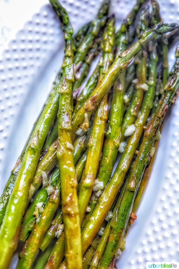garlicky asparagus